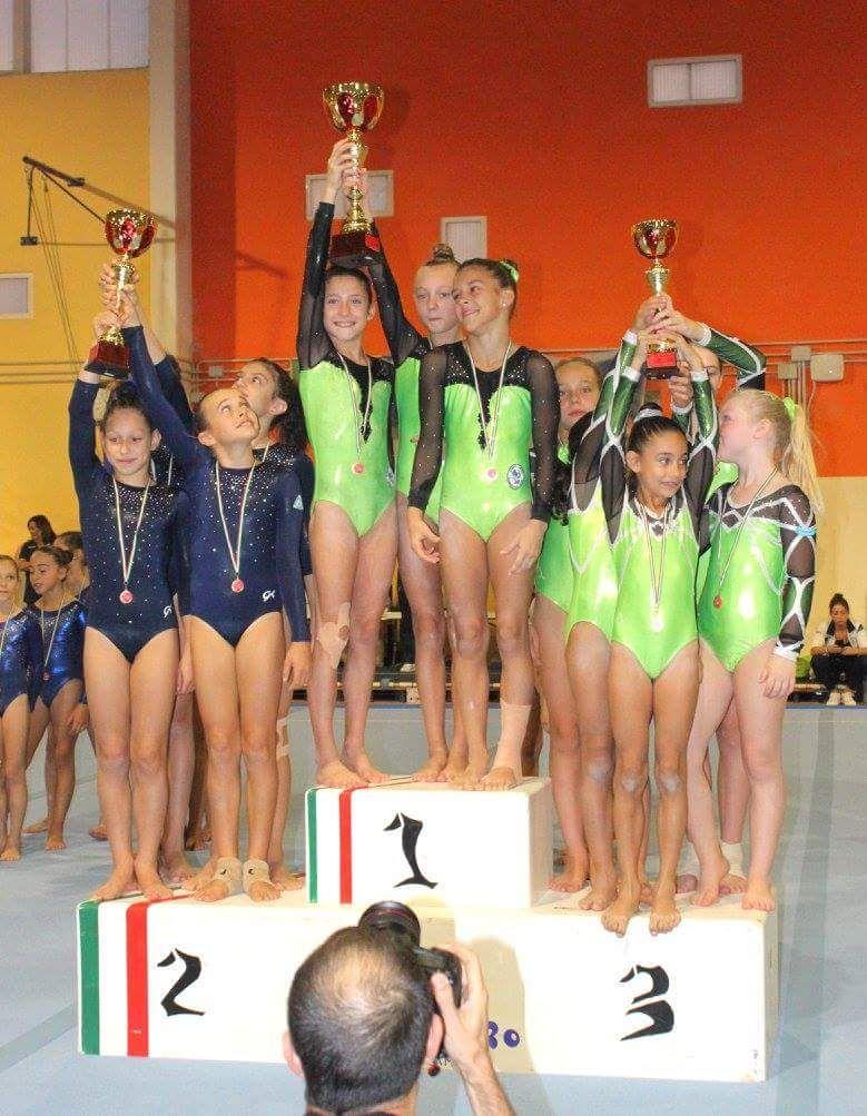 Squadra c1 podio ginnastica artistica veneziana palaindoor padova