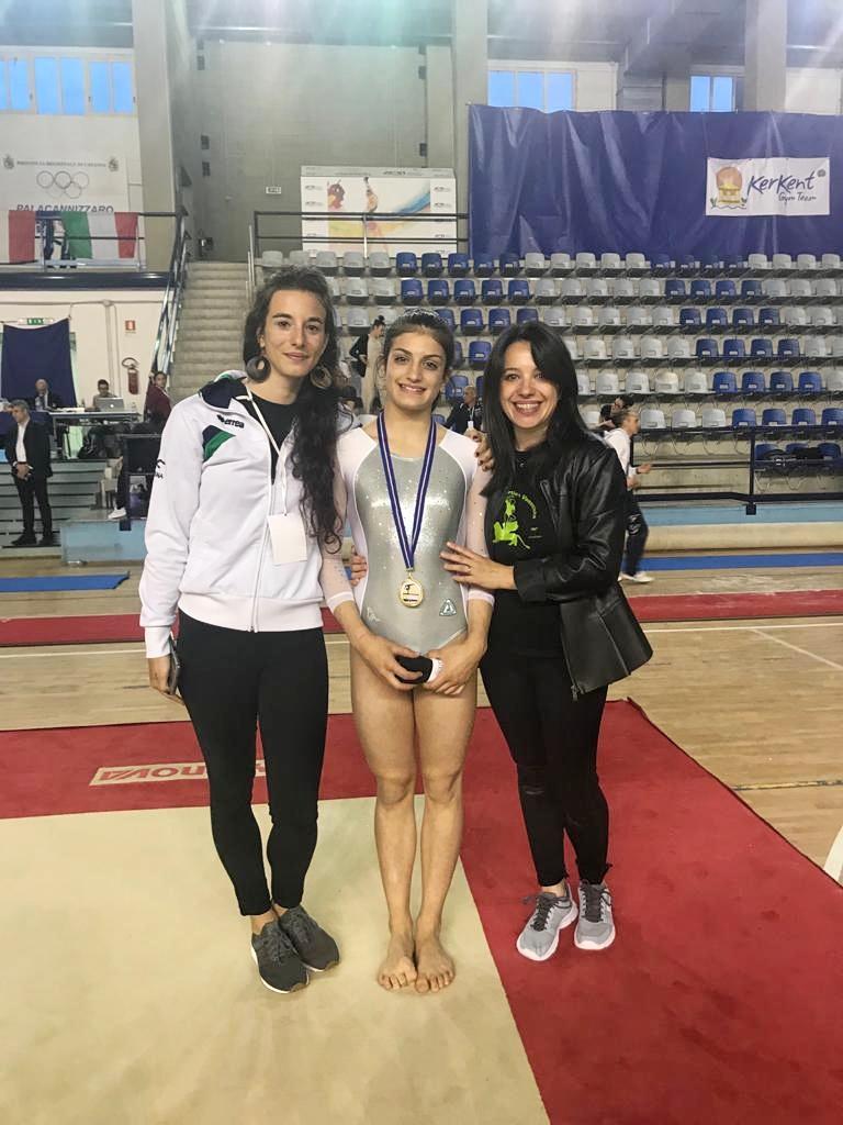Mia Angiolin e allenatrici- Fase Nazionale campionato Gold ginnastica Artistica