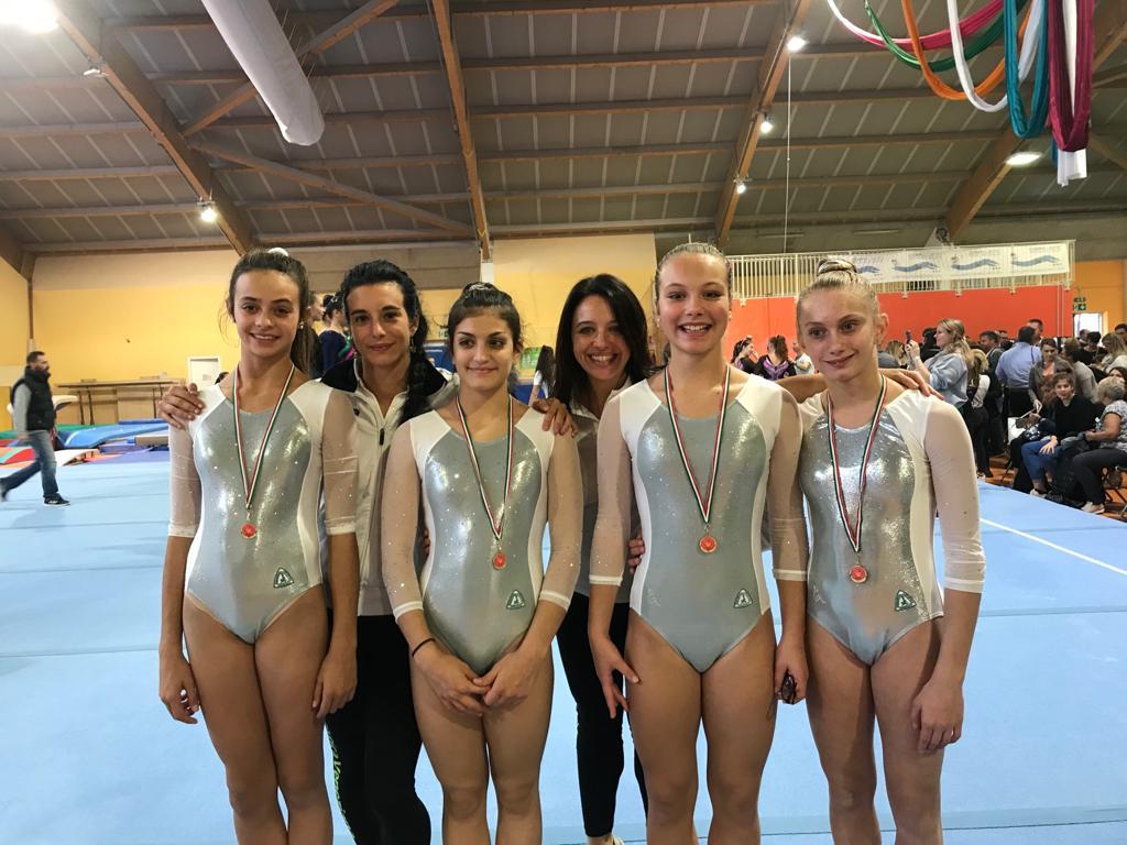 squadra Junior Serie C Gold composta da Angiolin Mia, Gabrieli Benedetta, Gamba Caterina e Rainer Carolina